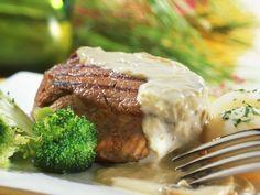 Entrecote mit Pilzrahmsoße ist ein Rezept mit frischen Zutaten aus der Kategorie Rind. Probieren Sie dieses und weitere Rezepte von EAT SMARTER!