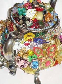 VINTAGE Silver-plated TEAPOT Vintage by PastPresentsJewelry