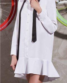 Camasa tip rochie ZOE, un model plin de creativitate este un produs simplu, ce poate crea tinute complexe. O poti purta ca rochie casual accesorizand-o cu o piesa masculina, o cravata sau poate un papion. Coat, Casual, Model, Jackets, Fashion, Down Jackets, Moda, Sewing Coat