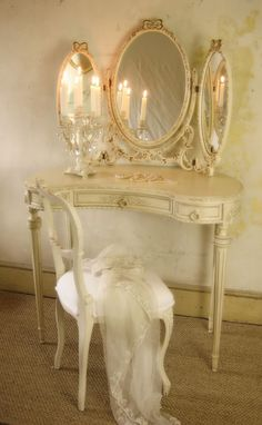 French Louis dressing table and mirror Sissi Grant via Bilinda Ricketson onto * Shabby Chic ~ Vintage ~ Roccoco ~ Rustic ~ English Cottage ~ Couture ~ Rustic Country