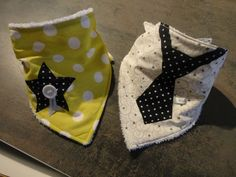 bavana bavoir et bandana le bavoir du petit cowboy patron couture pinterest bandanas and. Black Bedroom Furniture Sets. Home Design Ideas