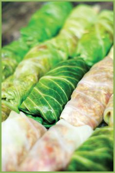 Clean eating cabbage rolls.  MMMMMM.... I may have my mother in law make this for me.  With ground turkey and brown rice for me.