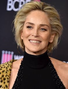 80 Short Hairstyles For Women Over 50 To Look Elegant Shaggy Short Hair, Medium Short Hair, Short Hair Cuts, Cute Hairstyles For Short Hair, Elegant Hairstyles, Hairdos For Older Women, Curl Hair With Straightener, Short Hair Styles Easy, Stylish Hair