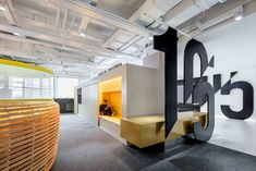 Gallery of Office Environmental Design of Shiyue Media / CUN Design - 21