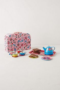 we all loved having little tea parties when we were little and we are loving this cute tea set!