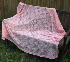 Free knitted pattern - Gathering of Lace
