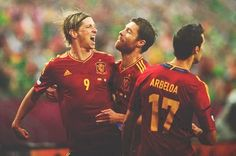 Fernando Torres with Xabi Alonso