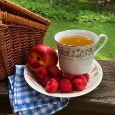 solkysset: don't forget to eat ur fruits ! - life in the egghouse✧* Vie Simple, Aesthetic Food, Aesthetic Outfit, Spring Recipes, Aesthetic Pictures, Dream Life, Tea Time, Don't Forget, Tea Party