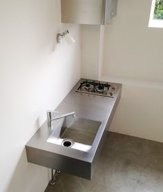 This is not a kitchen set model in an emergency situation, or those who are trapped in a financial crisis so they have to downsize. Mini Kitchen, Kitchen Sets, Unfitted Kitchen, Small Apartment Kitchen, Industrial Style Kitchen, Diy Kitchen Storage, Compact Living, Simple Furniture, Kitchen Models