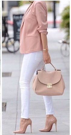 Look clean… Bag and shoes nude, pants White – Esta es mi Moda