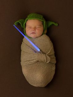 There are many Star Wars baby costumes for Halloween that you can be rest assured that it's unlikely anyone else will have their baby dressed the same way for the occasion. Cute Baby Halloween Costumes, Baby Costumes, Toddler Halloween, Family Halloween, Cute Baby Pictures, Newborn Pictures, Funny Babies, Cute Babies, Funny Kids