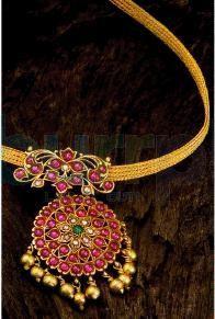 Naan with Cob Rubies pendant Antic Jewellery, India Jewelry, Temple Jewellery, Jewelry Art, Antique Jewelry, Beaded Jewelry, Jewelry Design, Gold Pendent, Royal Jewelry