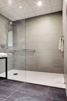 #Salle de #bain -  #Douche à l' #italienne : quels sont les #avantages et #inconvenients de ce système de douche très #tendance ? Bathtub, Bathroom, Bath, Cars, Standing Bath, Washroom, Bathtubs, Bath Tube, Full Bath