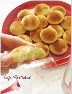 Karşı koyamadığım tek şey Kurabiye yapmak ve yemek :) Bir de sizlerden kurabiyeler için gelen güzel yorumlar var ya işte o zaman daha da... Donut Recipes, Pastry Recipes, Cookie Recipes, Snack Recipes, Dessert Recipes, Snacks, Cupcake Cream, Pierogi Recipe, Sweet Pastries