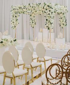 Luxury all white wedding ceremony decor Floral Centerpieces, Wedding Centerpieces, Wedding Table, Wedding Ceremony, Wedding Venues, All White Wedding, Elegant Wedding, Floral Wedding, Wedding Flowers