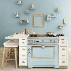 Élégant et fonctionnel, le piano de cuisson investit les cuisines des cuistots amateurs comme des gastronomes. Vous laisserez-vous charmer par ces cuisinières de pointe ? Sélection.