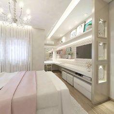 No quarto da menina bancada para maquiagem e estudos com gaveta embutida... Lindo e delicado, by @carolcantelli_interiores