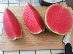 The Most Satisfying Video in the World - Oddly Satisfying Compilation Satisfying Video, Oddly Satisfying, Satisfying Things, Satisfying Pictures, Benefits Of Eating Watermelon, Watermelon Slices, Sweet Watermelon, Food Goals, Cookies Et Biscuits