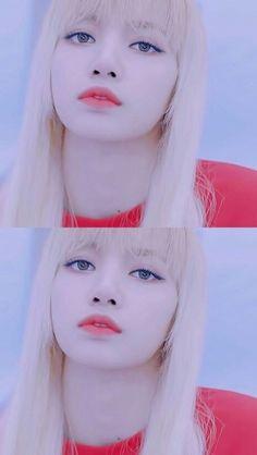 ok but y whitewash her Kpop Girl Groups, Korean Girl Groups, Kpop Girls, Lisa Bp, Jennie Lisa, Yg Entertainment, Thai Princess, Foto Top, Blackpink Jisoo