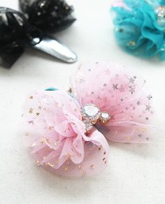프리레시피 Baby Girl Hair Clips, Baby Girl Hair Accessories, Making Hair Bows, Diy Hair Bows, Diy Ribbon, Ribbon Bows, Baby Bows, Baby Headbands, Headband Hairstyles