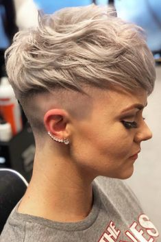24 Different Shag Haircut Ideas To Beautify Any Texture Shaggy Pixie With Undercut Short Layered Bob Haircuts, Asymmetrical Bob Haircuts, Long Bob Haircuts, Short Hair Cuts, Short Hair Styles, Men's Haircuts, Shaggy Pixie, Wavy Pixie, Pixie Cut