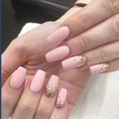 "162 Likes, 2 Comments - Liz Henson (@nails.byliz) on Instagram: ""✨✨✨ . . . . #nails #nailstagram #acrylicnails #glitternails #coffinnails #nailart…"""