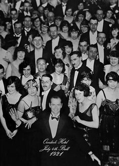 The Shining Director: Stanley Kubrick Writers: Stephen King (novel), Stanley Kubrick (screenplay) Stars: Jack Nicholson, Shelley Duvall, Danny Lloyd Cinema Tv, Films Cinema, I Love Cinema, Stanley Kubrick, Scary Movies, Great Movies, Horror Movies, Love Movie, Movie Tv