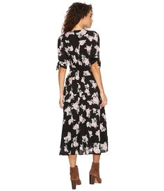 9f1640869f1 Women s Plus Size Floral Print Short Sleeve Pleated Wrap Dress - Prologue  Black White 2X