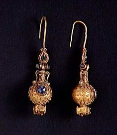 earrings, pair, gold and paste (glass), Hellenistic, ca. Roman Jewelry, Greek Jewelry, Egyptian Jewelry, Ancient Jewelry, Metal Jewelry, Antique Jewelry, Wiccan Jewelry, Ethnic Jewelry, Renaissance Jewelry