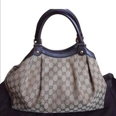 Authentic Gucci sukey medium Beautiful authentic Gucci sukey medium size. No flaws excellent condition. Small stain inside the bottom not noticeable because it's in the inside. Gucci Bags Hobos