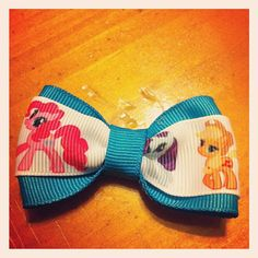 Party favor idea? My Little Pony: Friendship is Magic Bow. $2.00, via Etsy. #mylittlepony #hairbow