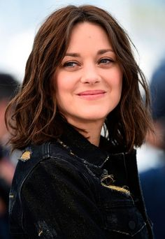 Marion Cotillard Photos Photos: 'From The Land And The Moon (Mal De Pierres)' Photocall - The Annual Cannes Film Festival Marion Cotillard Style, Marion Cotilard, Star Francaise, Smoky Eyes, Palais Des Festivals, French Actress, Celebrity Beauty, Cannes Film Festival, Beautiful Actresses