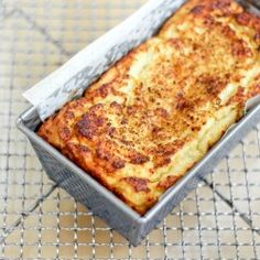 Cauliflower Protein Bread Healthy Bread Recipes, Banting Recipes, Low Carb Recipes, Healthy Snacks, Vegetarian Recipes, Healthy Eating, Cooking Recipes, Veg Recipes, Cooking Tips