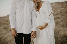 beautiful boho materny photo | white flowy dress and button up shirt
