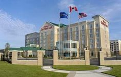 Hilton Garden Inn Toronto/Vaughan Vaughan Centrally located in Vaughan, Ontario with easy access to major motorways, this hotel offers guestrooms filled with comfortable amenities and enjoyable on-site facilities near Canada's Wonderland theme park. Canada Travel, Dream Vacations, Hotel Offers, Ontario, Toronto, Multi Story Building, Exterior, Mansions, House Styles