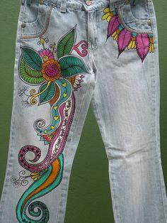 Art in Jeans by Artejeans on Etsy Painted Jeans, Painted Clothes, Embellished Jeans, Embroidered Jeans, Denim Fashion, Fashion Pants, Hippie Jeans, Jeans Refashion, Denim Art