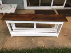 I had a large blanket chest at the end of our king-sized bed and wanted to change the look to a much smaller bench. I found a bench as my inspiration on Pintere… Bed Bench, Diy Dining Table, Crate Bench, Home Decor Hacks, End Of Bed Bench, Chests Diy, Dining Table With Bench, Diy Bench, Diy Entryway