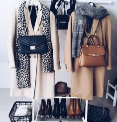 New ideas of the Double-Breasted coats Just Trendy Girls Fashion Cover, Cute Fashion, Modest Fashion, Trendy Fashion, Fashion Outfits, Womens Fashion, Fashion Beauty, Mode Lookbook, Fashion Lookbook