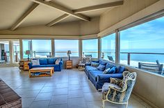 The Captain's Quarters boasts one of the most spectacular oceanfront views in all of Santa Cruz. This is beachfront living at its best!  Beachnest vacation homes. #fetchmyvrsantacruz #fetchmyvrcalifornia