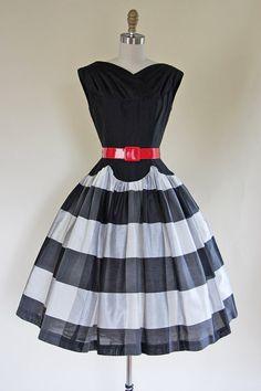 50s Dress Vintage 1950s Dress Black White New Look by jumblelaya