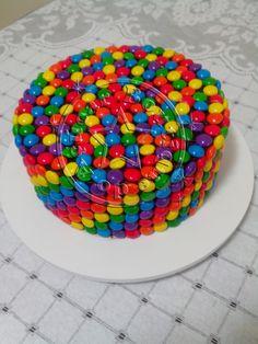 Bolo confete,bolo mms/confeti cake