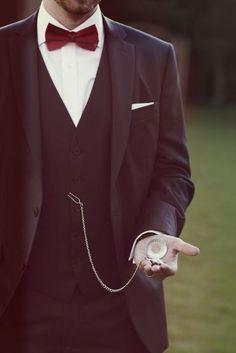5 detalhes essenciais para um Noivo Vintage - relogio de bolso antigo  #casarcomgosto