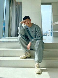 Asian Actors, Korean Actors, Estilo Street, Park Seo Joon, Seo Tutorial, Kim Taehyung Funny, Cute Korean Boys, Korean Fashion Men, Seo Marketing