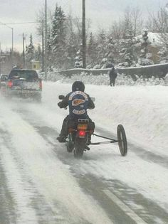 Winterizing your motor. Never gad one on mine, just dragged my feet all the time waiting for the damn patch of ice to cause my motor to slip sideways. That make for a reality tiring ride. Vintage Motorcycles, Custom Motorcycles, Cars And Motorcycles, Custom Bikes, Motorcycle Humor, Motorcycle Clubs, Bobber Motorcycle, Alaska, 1200 Gs Adventure
