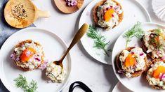 Gubbröra eli sillikaviaarin ruotsalainen haastaja valmistuu nopeasti anjoviksesta. Tahna on herkkua saaristolaisleivällä tai keitinperunoiden kera. Pavlova, Starters, Side Dishes, Eggs, Cold, Breakfast, Ligers, Morning Coffee, Egg