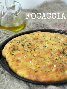: Focaccia basica, paso a paso // focaccia recipe step by step Pizza Recipes, Cooking Recipes, Healthy Recipes, Italian Dishes, Italian Recipes, Focaccia Recipe, Pan Bread, Recipe Steps, Bread And Pastries