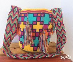 • • #wambabags #handmade #colombian #womensbag #boho #fashion #moda #chic #womensfashion #wayuulovers #wayuubag #colors #unique #trendy #bag #style #bolsas #tejido #colombia #musthave #hechoamano #artesania #tejidoartesanal #playadelcarmen #tulum #cancun #cozumel #guadalajara #puebla