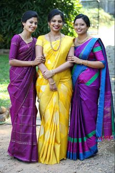 Bride and family in kanchipuram saree. Beautiful Saree, Beautiful Indian Actress, Indian Beauty Saree, Indian Sarees, Indian Attire, Indian Outfits, Silk Saree Kanchipuram, Silk Sarees, Saris