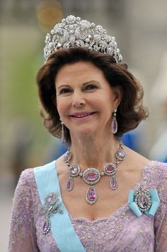 Queen Silvia wearing the Braganza Tiara on the wedding day of Crown Princess Victoria
