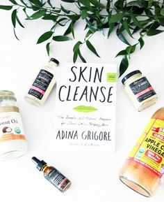 Curious about how to include more natural beauty products in your daily routine? Making green beauty swaps is easier than you think. Best Natural Makeup, Natural Skin, Natural Beauty Remedies, Skin Cleanse, Happy Skin, Skin Care Regimen, Beauty Routines, Good Skin, Helpful Hints
